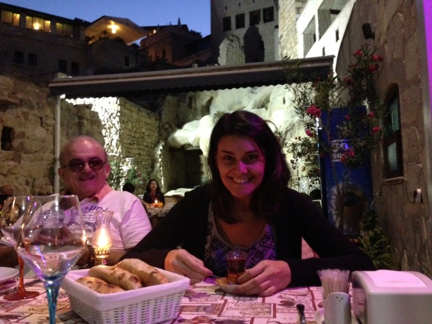 Eu,  o chá e meu pai seno fofinho.